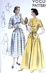 1950s HOUSECOAT or BRUNCH COAT ROBE PATTERN EASY TO MAKE VOGUE PATTERNS 6798