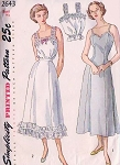 1940s Lingerie Pattern Simplicity 2643 Camisole, Petticoat Slip and Full Slip Bust 30 Vintage Sewing Pattern