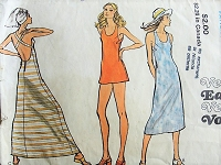 1970s EFFORTLESS Retro Halter Dress and Top Vogue 8075 Bust 31 1/2
