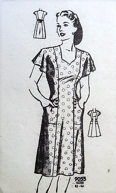 1940s WW II House Dress Pattern MARIAN MARTIN 9055 Classic Forties War Time House Dress Bust 36 Vintage Sewing Pattern