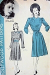 1940s LINDA HAYES HOLLYWOOD DRESS PATTERN 500  VERY PRETTY STYLE, SHAPED NECKLINE, 2 SLEEVES VERSIONS