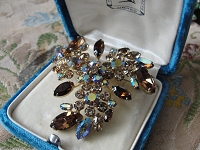 Vintage SHERMAN Signed Glittering TOPAZ Rhinestones Brooch,Prong Set,Brilliant Rhinestones,Dazzling Swarovski Crystal,Collectible Jewelry