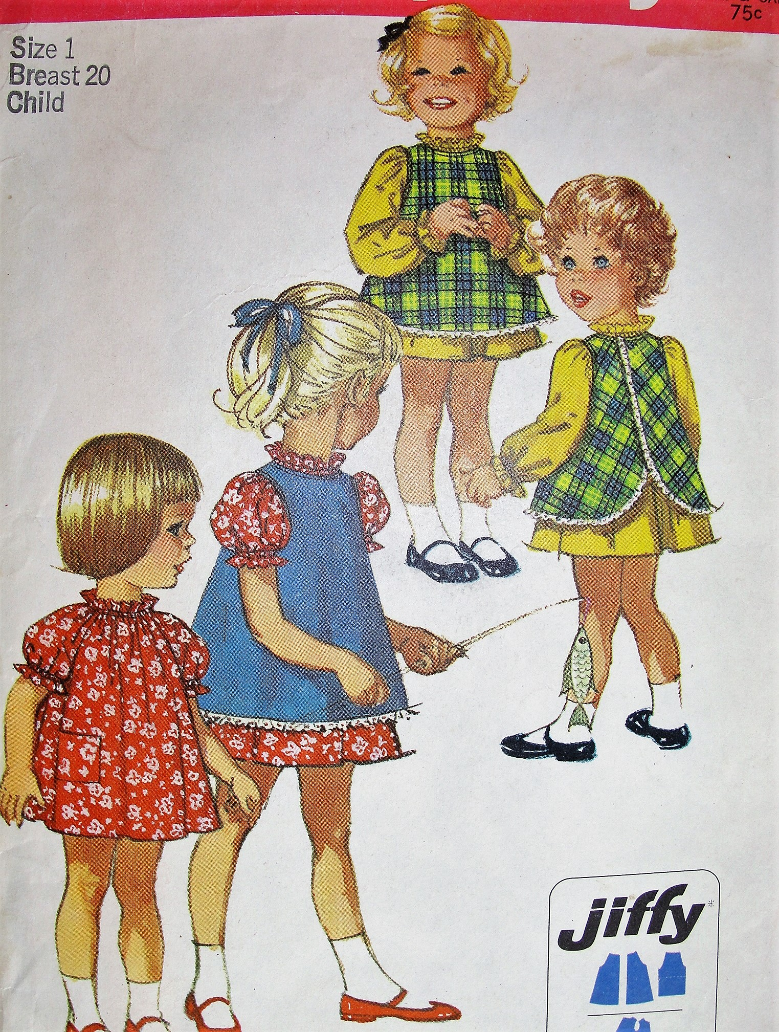 "25/"" Crochet Pattern Girls Pinafore Dress  20/"""