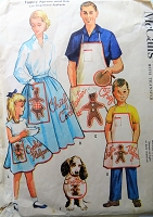1950s Vintage FUN Family Aprons and Bib with Gingerbread Appliqués McCalls 2062 Sewing Pattern