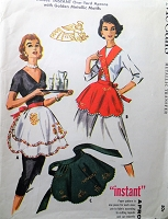1950s Vintage HOLIDAY Themed Apron with Gold Metallic Transfers McCalls 2182 Sewing Pattern