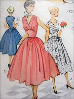 1950s GLAM Evening Cocktail Party Prom Dress Pattern McCALLS 8901 Flattering V Neckline Dreamy Design Bust 33 Vintage Sewing Pattern