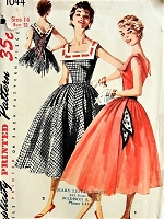 1950s FUN Dress with Square Neckline and Pockets Simplicity 1044 Bust 32 Vintage Sewing Pattern