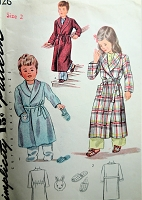 SWEET 1940s WW II  Toddlers Robe and Slippers Pattern SIMPLICITY 1126 Includes Bunny Transfer Cute Styles Size 2  Childrens Vintage Sewing Pattern