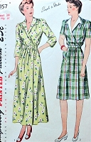 1940s CLASSIC Housecoat House Dress Pattern SIMPLICITY 2157 WW II Era Brunch Robe Hostess Dress Bust 34 Vintage Sewing Pattern