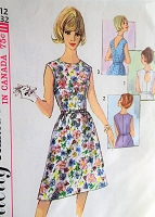 1960s CLASSY KeyHole Back Dress Pattern SIMPLICITY 5489 Three Back Versions,Daytime or After 5 Dress,Bust 32 Vintage Sewing Pattern