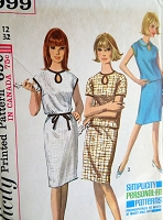 1960s Vintage CLASSY Dress or Top with Keyhole Neckline and Skirt Simplicity 5999 Sewing Pattern Bust 32
