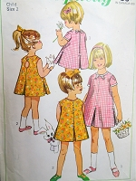 1960s LOVELY Little Girls Dress Pattern SIMPLICITY 6991 Toddlers Dress with 2 Back Versions Size 2 Childrens Vintage Sewing Pattern