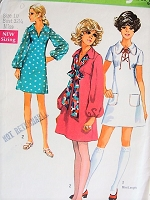 1970s Retro PRETTY V-Neck or Lace-Up Neckline Dress Simplicity 8805 Vintage Sewing Pattern Bust 32 1/2