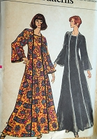 1970s STYLISH Caftan Lounging Gown Pattern VOGUE 8464 Elegant Hostess Gown Bust 32 Vintage Sewing Pattern FACTORY FOLDED
