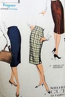 1950s Vintage SMART Slim Dart Fitted Skirt Vogue 9605 Sewing Pattern
