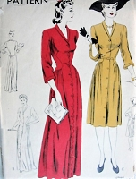 Vintage 1940s ELEGANT Dress or Housecoat Vogue 9200 Sewing Pattern Bust 30