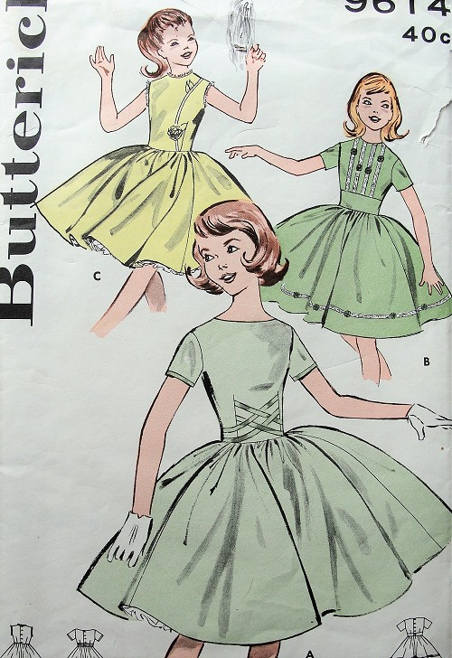 1950s Vintage LOVELY Girls Dress with Full Skirt in Three Styles Butterick 9614 Sewing Pattern Chest 30
