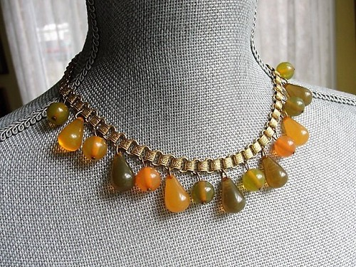 ART DECO Bakelite Fruit Strand Necklace, Eye Catching Bead Necklace,Luminous Apple Juice, Butterscotch, Green,Collectible Costume Jewelry