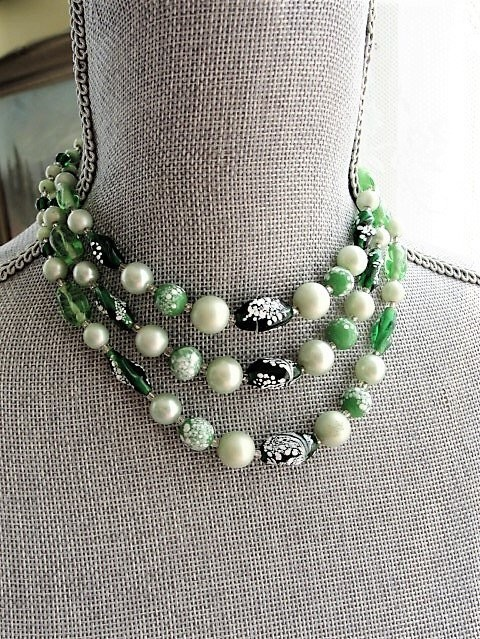 Vintage 50s LUXURIOUS Art Glass and Pearls Bead Necklace, Elegant triple Strand Glass Beads, Day or Evening,Collectible Costume Jewelry