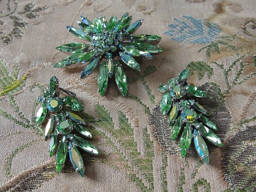 Vintage SHERMAN Signed PERIDOT Rhinestones Brooch and DROP Earrings Set,Brilliant Rhinestones,Dazzling Swarovski Crystal,Collectible Jewelry