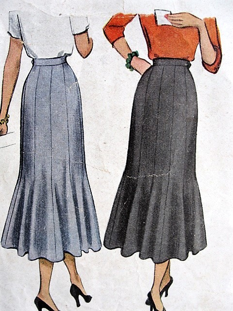 1940s FLIRTY 10 Gore Skirt Pattern McCALL 7384 Beautiful Figure Flattering Design, Low Flare, Daytime or Evening , Waist Size 28 Vintage Sewing Pattern