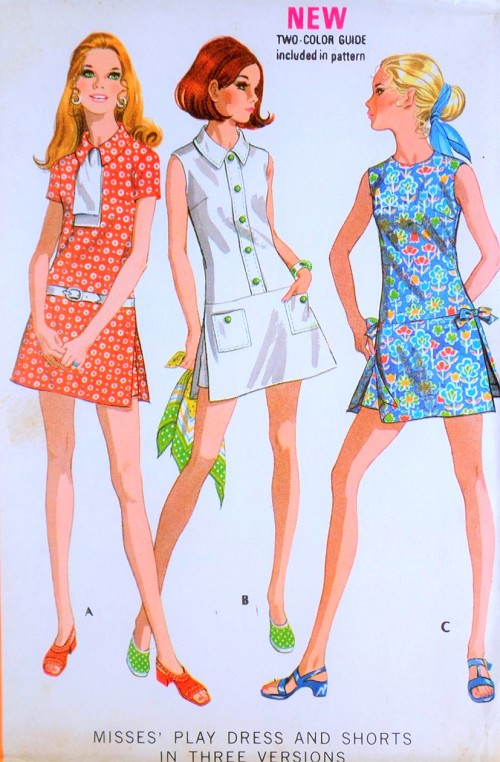 1970s CUTE Sports Dress Pattern McCALLS 2424 Retro Skort Culotte Mini pantskirt Shorts Playsuit Bust 34 Vintage Sewing Pattern UNCUT