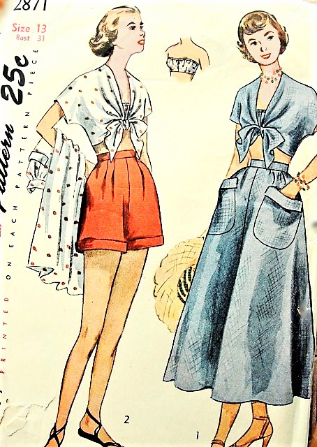1940s Beachwear Pattern SIMPLICITY 2871 Pin Up Style Bandeau Bra, Tie Front Blouse, High Waist Shorts and Full Skirt Bust 31 Vintage Sewing Pattern