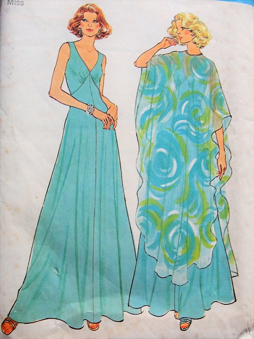 1970s Vintage GLAMOROUS V-Neck Dress and Poncho Simplicity 7183 Retro Sewing Pattern Bust 34