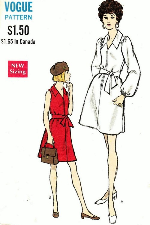 1960s Dress Pattern Vogue 7547 Mod A Line Front Zip Dress Sleeveless or Full Gathered Bust 31.5 Vintage Sewing Pattern