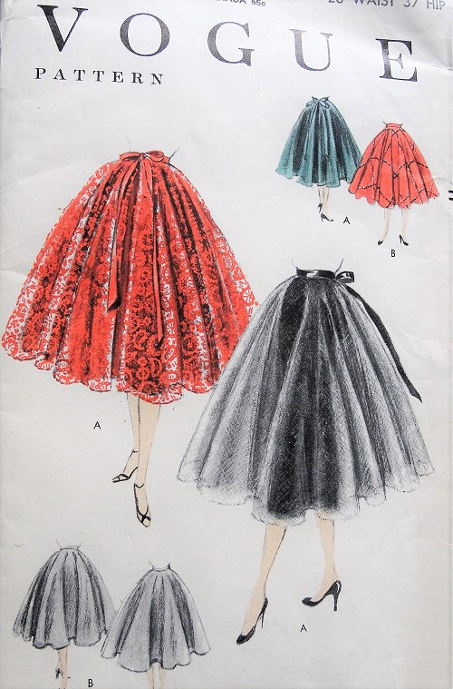1950s CLASSIC Vintage Full Circle Skirt Vogue 8461 Sewing Pattern Waist 28