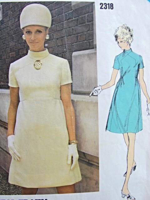 Late 60s Mod Empire Mini Dress Pattern Teal Traina Vogue Americana